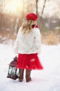 little-girl-628144_1920