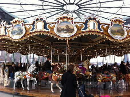 carousel-327688__340