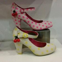 shoes-671512__340