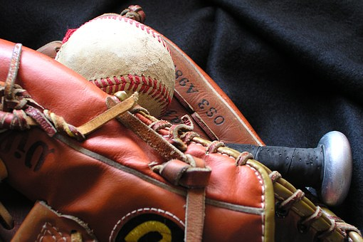 baseball-1354946__340