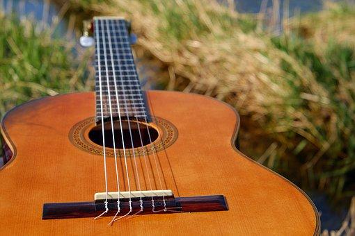 guitar-2276181__340