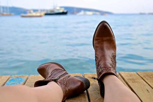 boots-828975__340