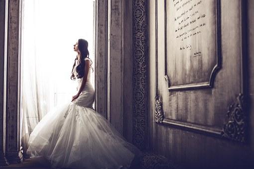 wedding-dresses-1486005__340