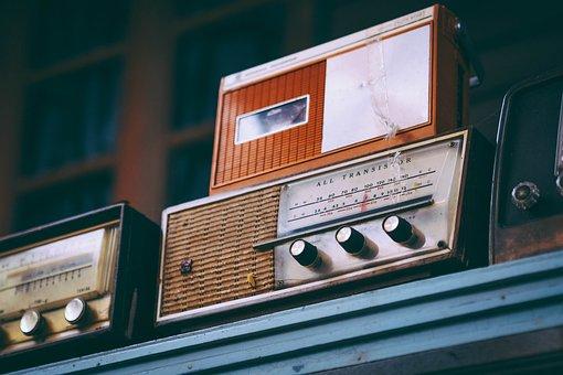 radio-2974649__340